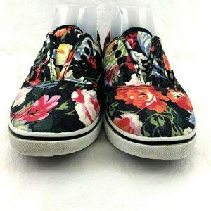 Vans Shoes - Vans Black Floral Tropical Lace up Skate Shoe